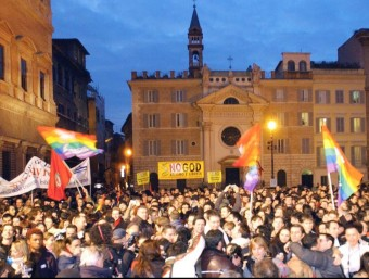 Thousands of couples, both gay and not, kiss each other during a mass 'kiss-in' organised by Arcigay.  EFE