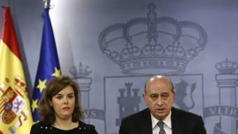 La vicepresidenta del govern espanyol, Soraya Sáenz de Santamaría, i el ministre de l'Interior, Jorge Fernández Díaz, aquest divendres a la Moncloa EFE