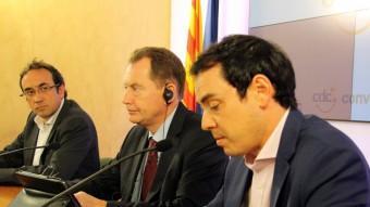El president del Partit de l'Aliança dels Liberals i Demòcrates per Europa (ALDE), Graham Watso, acompanyat del secretari d'Organització de CDC, Josep Rull, en una imatge d'arxiu ACN