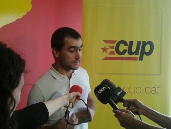 Joan Teran, portaveu del Secretariat Nacional de la CUP, ahir a la sortida del consell polític de la formació a Perpinyà CUP