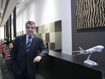 Francesc Escànez, director general d'Atlàntida, a la botiga de Consell de Cent.  JOSEP LOSADA