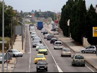 Tram de la C-260 a Vilatenim, que es començarà a desdoblar el segon semestre del 2015 MANEL LLADÓ