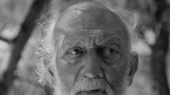 Josep Maria Domènech interpreta un home que escapa del geriàtric per tornar a l'escenari on els seus companys van morir durant la Guerra Civil MANIUM PRODUCCIONS