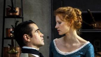 Jessica Chastain és la senyoreta Júlia i Colin Farrell és Joan en aquesta adaptació de l'obra de Strindberg dirigida per Liv Ullmann GOLEM