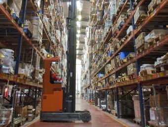 Lamp s'encarrega de tots els passos del procés productiu, des del disseny a la venta.  L'ECONÒMIC
