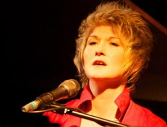 Dena DeRose , en una actuació SUNSET JAZZ CLUB
