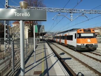 Un detall de l'estació del tren de la línia internacional entre Barcelona i la Tor de Querol al municipi osonenc de Torelló. J.C