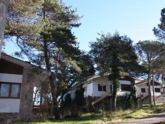 Vista del carrer principal de l'antic poble de Sant Romà de Sau, amb la majoria de cases abandonades IRENE BOIXEDA/EL9NOU