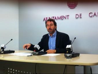 El regidor Vicent Mascarell en conferència de premsa. EL PUNT AVUI