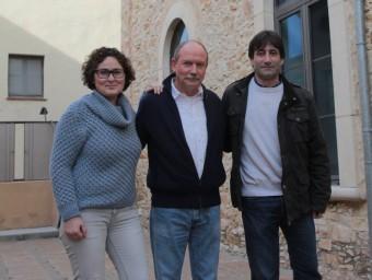 Loureiro, flanquejat per Maite Martín i Martí Aldrich. Els tres edils electes d'ERC-Junts per Begur són decisius al poble E.A