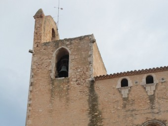 El campanar de l'església de Sant Pere de Begur, que fa mesos que no toca de matinada E.A