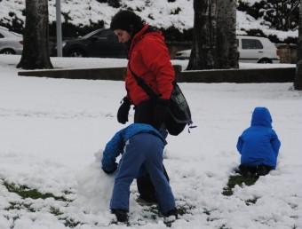 Un centenars de nens no han pogut arribar a l'escola per culpa de les gelades JOAN TORT