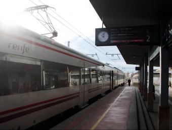 Un tren aturat a l'estació de Figures, aquest dijous al matí ACN