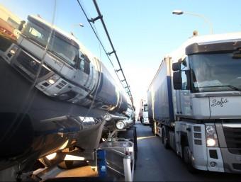 El límit de 44 tones inclou el pes del vehicle (tara) i el de la càrrega útil.  ARXIU