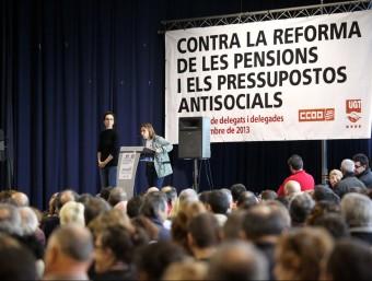 Assemblea dels sindicats abans de la vaga general on es critica els pressupostos antisocials.  J.F