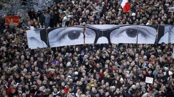 Multitudinària manifestació que es va fer a París en suport de Charlie Hebbo.