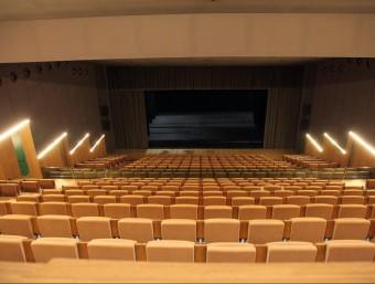 Una imatge de la platea del teatre de Can Saragossa de Lloret de Mar. L'ajuntament traurà a concurs la compra de material i la gestió del servei de projeccions de cinema JOAN SABATER