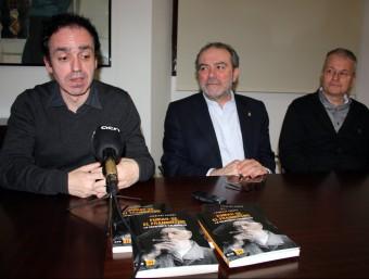 Francesc Canosa , A L'ESQUERRA, AMB JOAN REÑÉ I EL DIRECTOR DE L'IEI, JOSEP MARIA SOLÉ I SABATÉ ACN