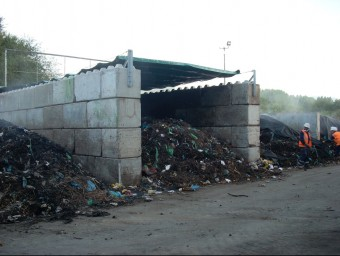 Imatge d'una planta de compostatge d'aquest model de gestió més descentralitzat.  ARXIU