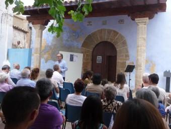 Acte cultural organitzat per «La Fénix Troyana» a les portes de la mesquita de Xelva. ESCORCOLL