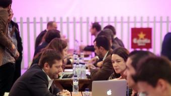 Emprenedors presentant els seus projectes, ahir en el 4YFN de la Fira de Barcelona, a Montjuïc QUIM PUIG
