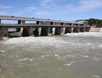 Desembassament de la presa de Flix. ACN