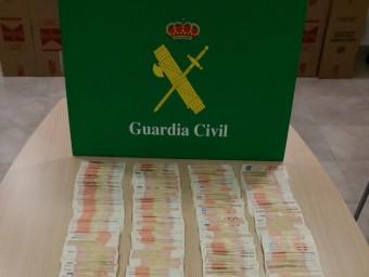 Part dels bitllets que la Guàrdia Civil va intervenir a la parella de Barcelona.