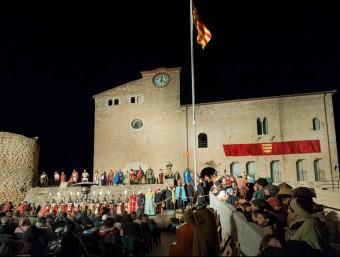 La representació de l'obra, l'any passat, a la plaça dels Comtes d'Empúries EL PUNT AVUI