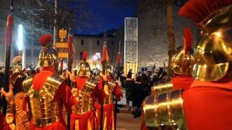 Una imatge dels Manaies durant la inuguració del monument que els ha dedicat la ciutat de Girona. JOAN CASTRO / ICONNA