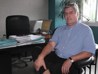 Martí Sabrià, al seu despatx. J: SABATER