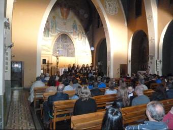 El concert de la coral Vulcània, que l'escola Bisaroques va dedicar a Mireia Serrat. J.C