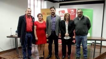 Ignacio Blanco, al centre de la imatge, acompanyat dels representants dels partits que formen Acord Ciutadà ACN