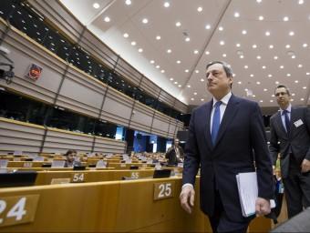 La inundació de liquiditat que vaticina Mario Draghi no acaba d'arribar a la pime.  ARXIU / REUTERS