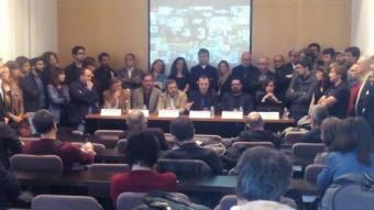 Una cinquantena de productors van fer costat a la junta de PROA en la lectura del manifest PROA