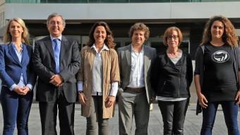 D'esquerra a dreta, alguns dels caps de llista que es presenten a Sant Cugat: Mireia Ingla (ERC-MES), Jordi Carreras (PP), Mercè Conesa (CiU), Pere Soler (PSC), Roser Casamitjana (ICV-EUiA), Núria Gibert (CUP-Procés Constituent) davant de l'Ajuntament JUANMA RAMOS