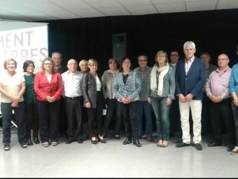 Part dels candidats de Moviment d'Esquerres amb Pia Bosch, Marina Geli i Magda Casamitjana, ahir a Girona. M.V