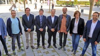 D'esquerra a dreta, alguns dels candidats que es presenten a Sabadell: Joan Garcia (Cs), Joan Berlanga (Unitat), Esteban Gesa (PP), Josep Ayuso (PSC), Carles Rossinyol (CiU), Maties Serracant (Crida), Marisol Martínez(Guanyem), Juli Fernàndez (ERC) JUANMA RAMOS