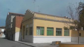 Edifici de les escoles velles d'Albuixech. EL PUNT AVUI
