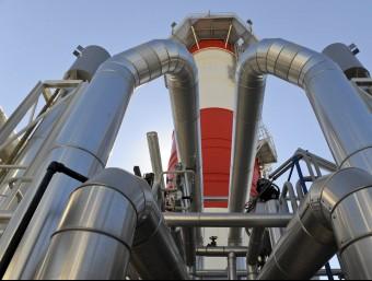 Imatge de les instal·lacions de regasificació de Gas Natural Fenosa al Port de Barcelona.  ARXIU