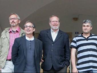 D'esquerra a dreta, Artur Colomer, Salvador Clarà, Josep Casadellà, Marc Garcia, Joan Pla i David Sarsanedas, en la trobada d'Amer del 30 d'abril EL PUNT AVUI