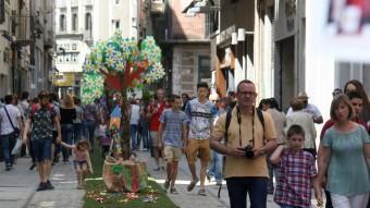 Riuades de gent des de les nou del matí a Girona