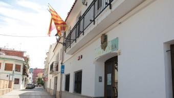 L'Ajuntament de Cunit s'ha hagut d'estrènyer el cinturó per redreçar una situació d'endeutament límit. J. FERNÀNDEZ