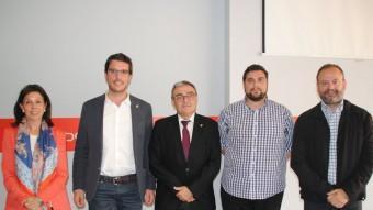 Cinc candidats a paer en cap. D'esquerra a dreta: Dolors López (PP), Toni Postius (CiU), Àngel Ros (PSC), Eduard Baches (ICV) i Carles Vega (ERC), en un debat celebrat fa uns dies J.T