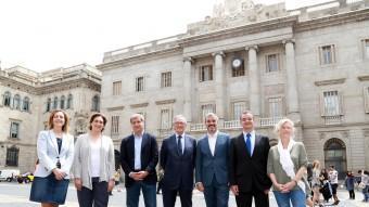 D'esquerra a dreta Carina Mejía (C'S), Ada Colau (BComú), Alberto Fernández Díaz (PP), Xavier Trias (CiU), Jaume Collboni (PSC), Alfred Bosch (ERC) i Maria José Lecha (CUP) ANDREU PUIG