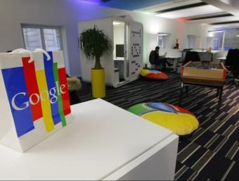 La Comissió Europea reclama a Google, a la imatge la seva seu europea als afores de París, una multa de 5.660 milions.  REUTERS