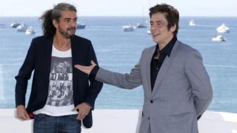 Fernando León de Aranoa i l'actor Benicio del Toro ahir a Canes G. HORCAJUELO/EFE