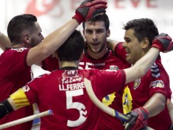 Els jugadors del Vendrell celebren el gol contra l'Igualada JOSÉ CARLOS LEÓN