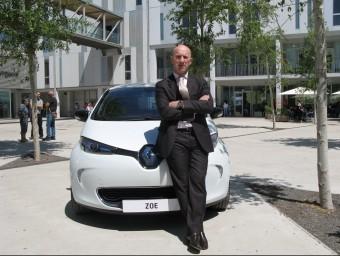 Luis Valerio, retratat al campus de la URV, és el director de la divisió de vehicles elèctrics de Renault per al mercat ibèric.  M.R.C