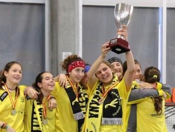 El Vila-sana amb la copa de campiones LUÍS VELASCO / RFEP