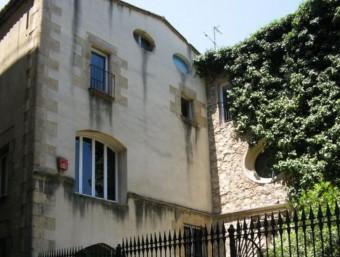 L'hospici conegut com Casa de la Misericòrdia està ocupat actualment pel CIDOB.  ARXIU